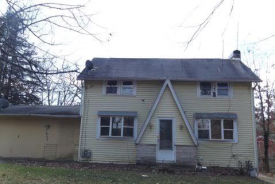 1469 Pleasant Valley Dr Coshocton, OH 43812
