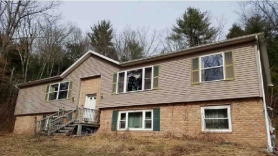 460 Lower Middle Creek Rd Kunkletown, PA 18058