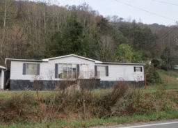 5860 Ky Route 302 Van Lear, KY 41265