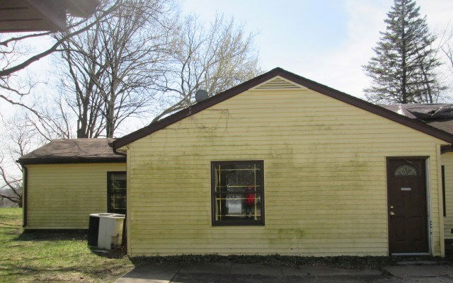 222 32nd Ave N, Clinton, IA 52732