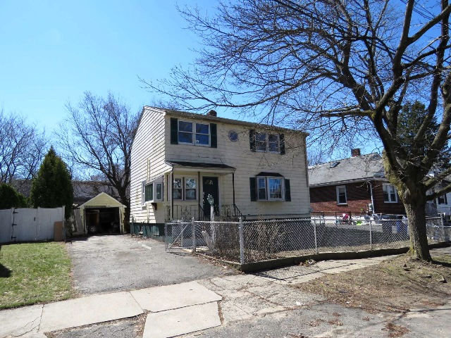 29 Cleveland Ave, Saugus, MA 01906