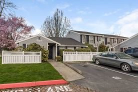 5736 238TH CT APT E2 Kent, WA 98032