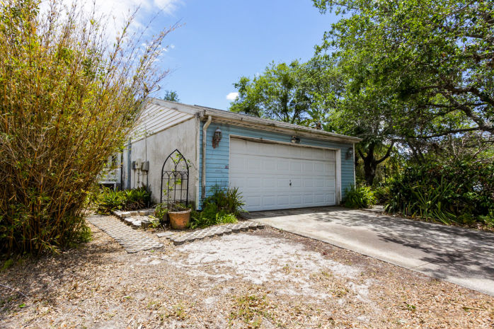 613 Bay Lake Trl, Oldsmar, FL 34677