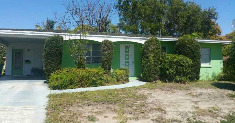 1472 W 35th St, Riviera Beach, FL 33404