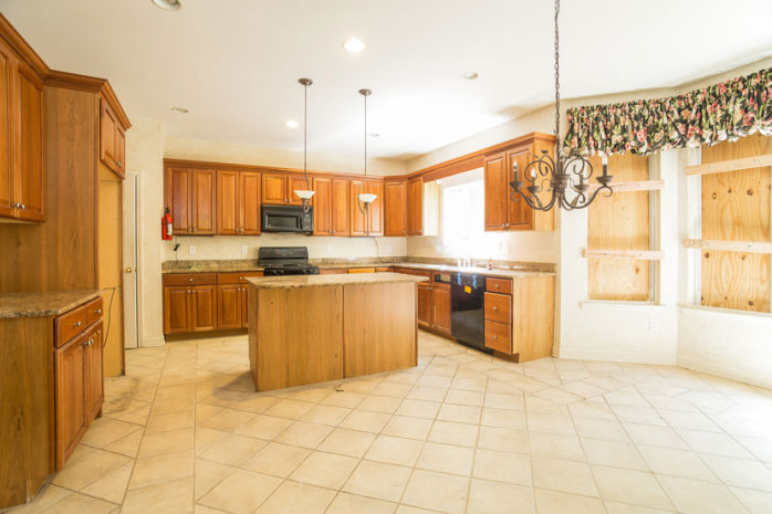 6 Garton Ct, Sewell, NJ 08080