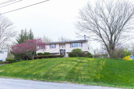 6 Peace Dr Middletown, NY 10941