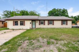 6729 Robindale Rd Forest Hill, TX 76140