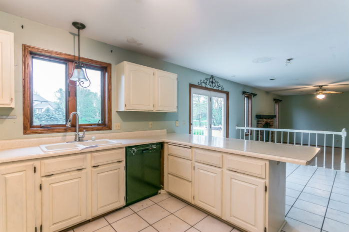 726 Basswood Ave, Verona, WI 53593