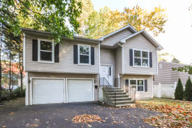 5 Hollow Tree Rd Norwalk, CT 06854