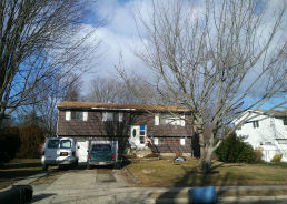 49 Oakridge Dr Bay Shore, NY 11706