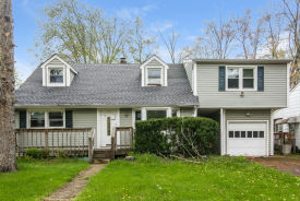 26 Chesapeake Ave Lake Hiawatha, NJ 07034