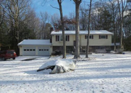 87 Short Bull Rd Effort, PA 18330