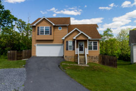 47 Clematis Ct Martinsburg, WV 25401