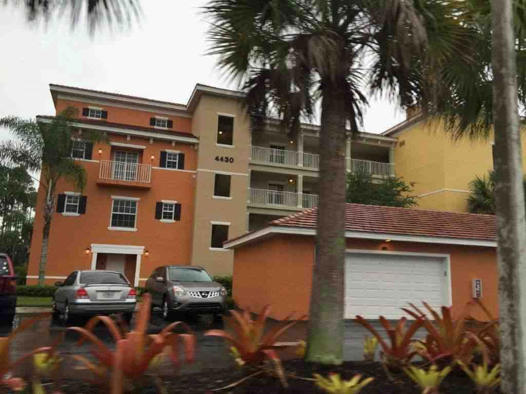 4430 Botanical Place Cir Unit 8101, Naples, FL 34112