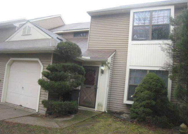 18 Morton Ct, East Brunswick, NJ 08816