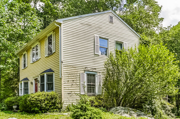 24 Old Fawn Hill Rd, Monroe, CT 06468