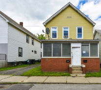 29 Greenwood Ave Mechanicville, NY 12118