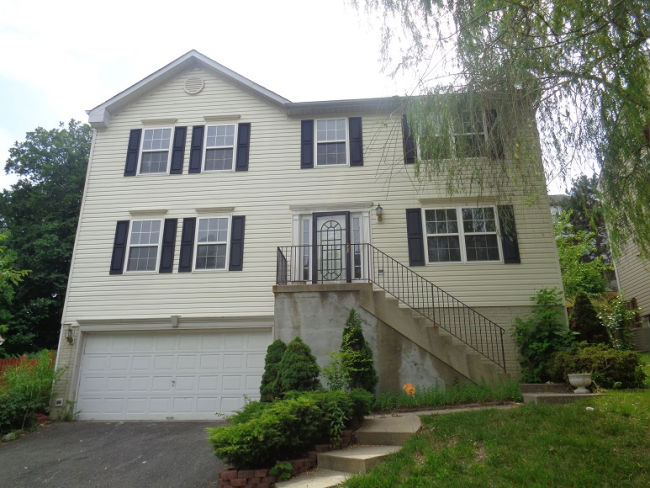 1604 Shady Glen Dr, District Heights, MD 20747