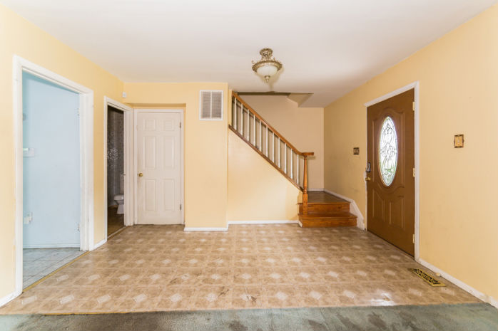 15300 Laurelton Dr, Laurel, MD 20707