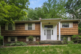 81 Lockwood Rd Cortlandt Manor, NY 10567