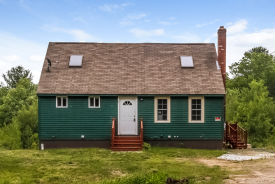 20 Norris Ct Epping, NH 03042