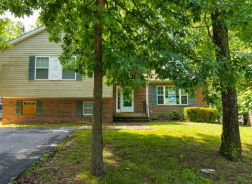 729 Pioneer Trl Lusby, MD 20657