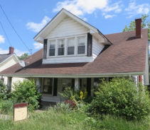 17 TAYLOR AVE Winchester, KY 40391