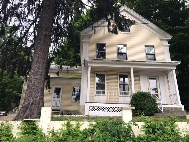 94 Pleasant St, Fitchburg, MA 01420