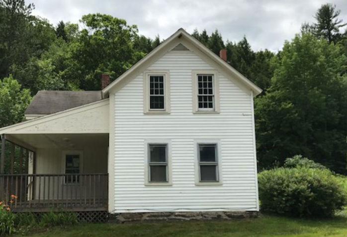 20 Laurel Rd, Huntington, MA 01050