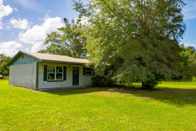 100 BARDIN ESTATES COURT Palatka, FL 32177