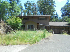 215 Coachman Dr Eugene, OR 97405