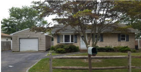 32 Lafayette Dr Shirley, NY 11967