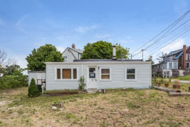128 Old Point Rd Newburyport, MA 01950