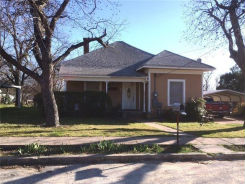 304 W NEELY AVE Comanche, TX 76442