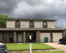 2048 Titan St Harvey, LA 70058