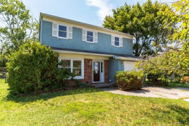 1027 Micawber Dr Williamstown, NJ 08094