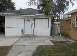 1843 Jackson St Hollywood, FL 33020