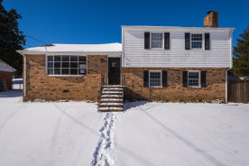132 Sherwood Dr Colonial Heights, VA 23834