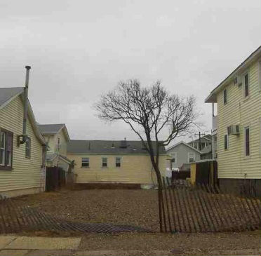 42 Kearny Ave, Seaside Heights, NJ 08751