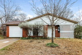 6302 Basswood Dr Fort Worth, TX 76135