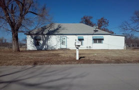 703 E 3rd St Larned, KS 67550