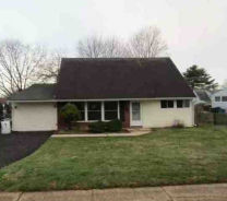 112 Hedge Rd Levittown, PA 19056