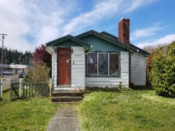 2196 Everett North Bend, OR 97459