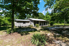 157 Brock Rd Lucedale, MS 39452