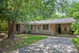1005 East Ave Columbia, MS 39429