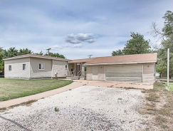 530 N Grand Ave Lyons, KS 67554